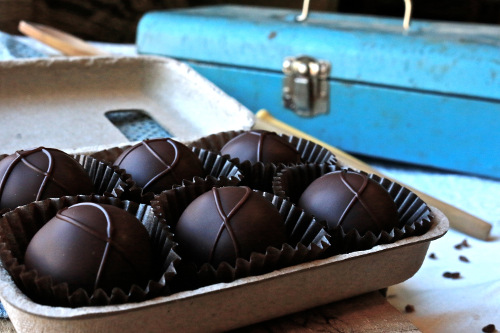 Farmhouse Chocolate Box Set - Organic Truffles